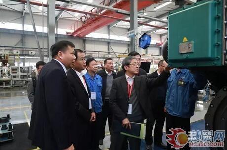 华中科技大学,华南理工大学等国内科研院所的博士团队来到玉柴,指导