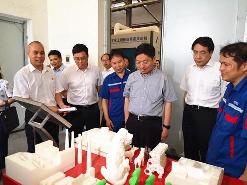自治区党委常委、组织部部长王可到玉柴调研